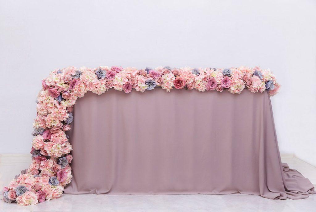 Цветочный бордюр на стол